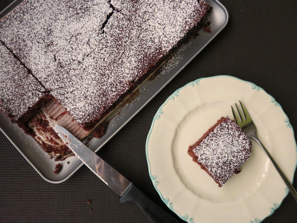 Schoko Kaffe Kuchen mit roter Rübe